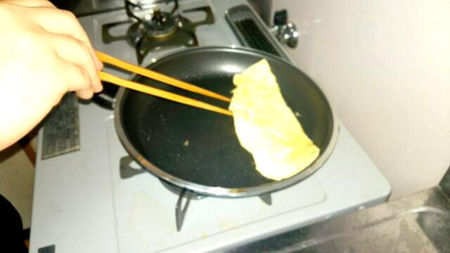 卵焼き作り中